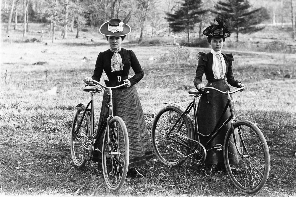 Cyclists-Womens-Day-Bicycle.jpg