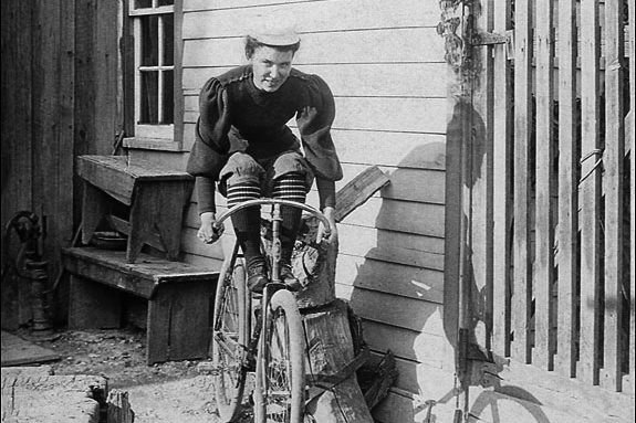 Suffragette-Cyclists-Womens-Day-Lady-Scorcher.jpg