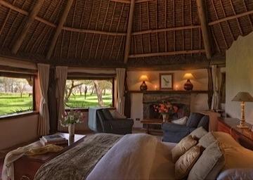 Sirikoi Cottage bedroom cropped.jpg