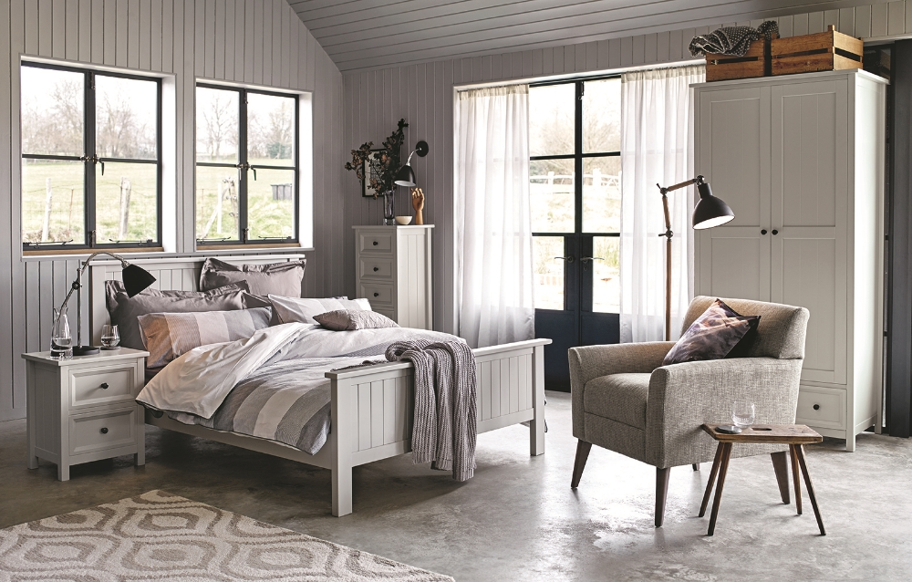 BED_GREY_STRIPE_1_AU15_1 copy.JPG