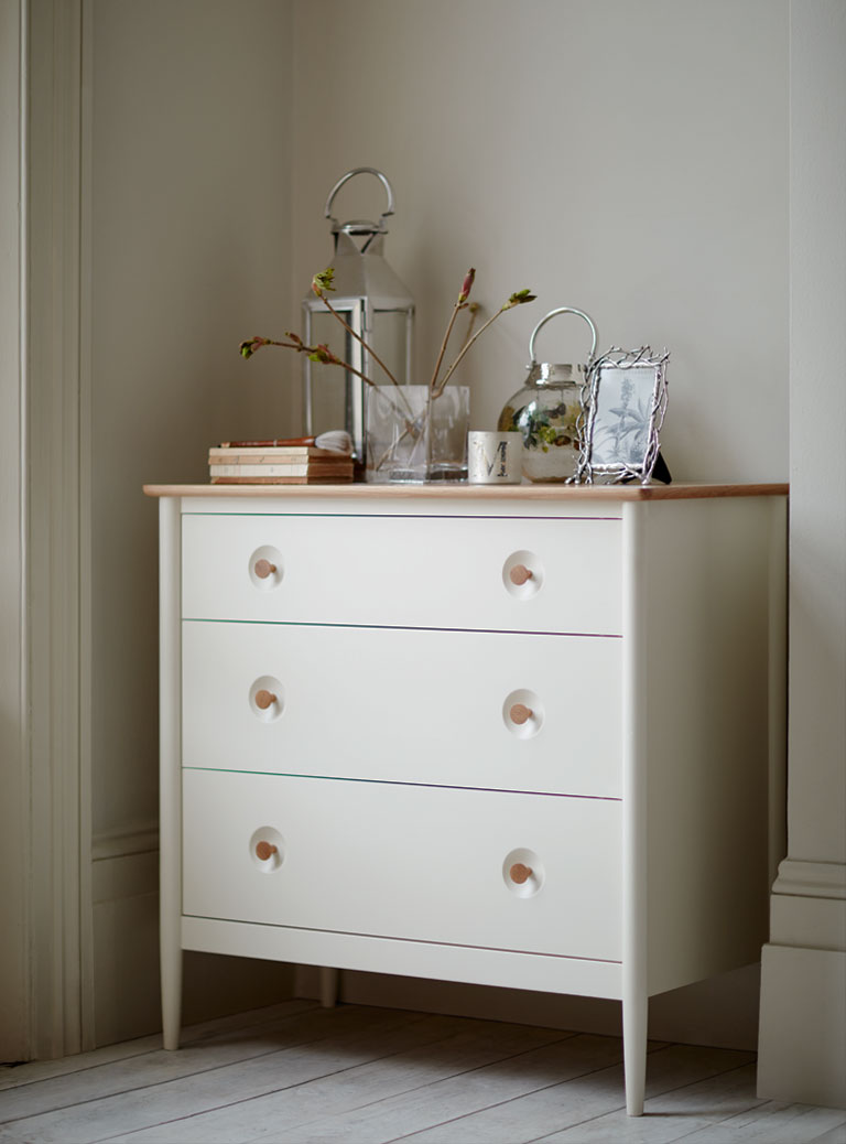 hampden-white-chest-of-drawers.jpg