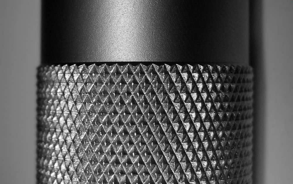Diamond pattern knurling