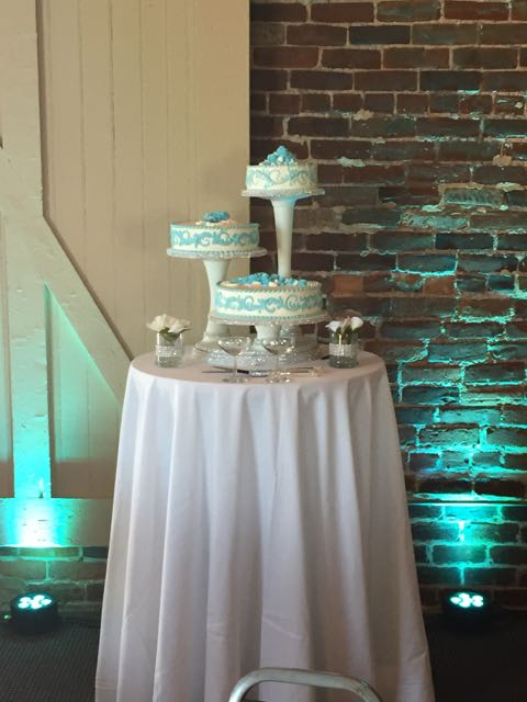 Cake table with up lighting