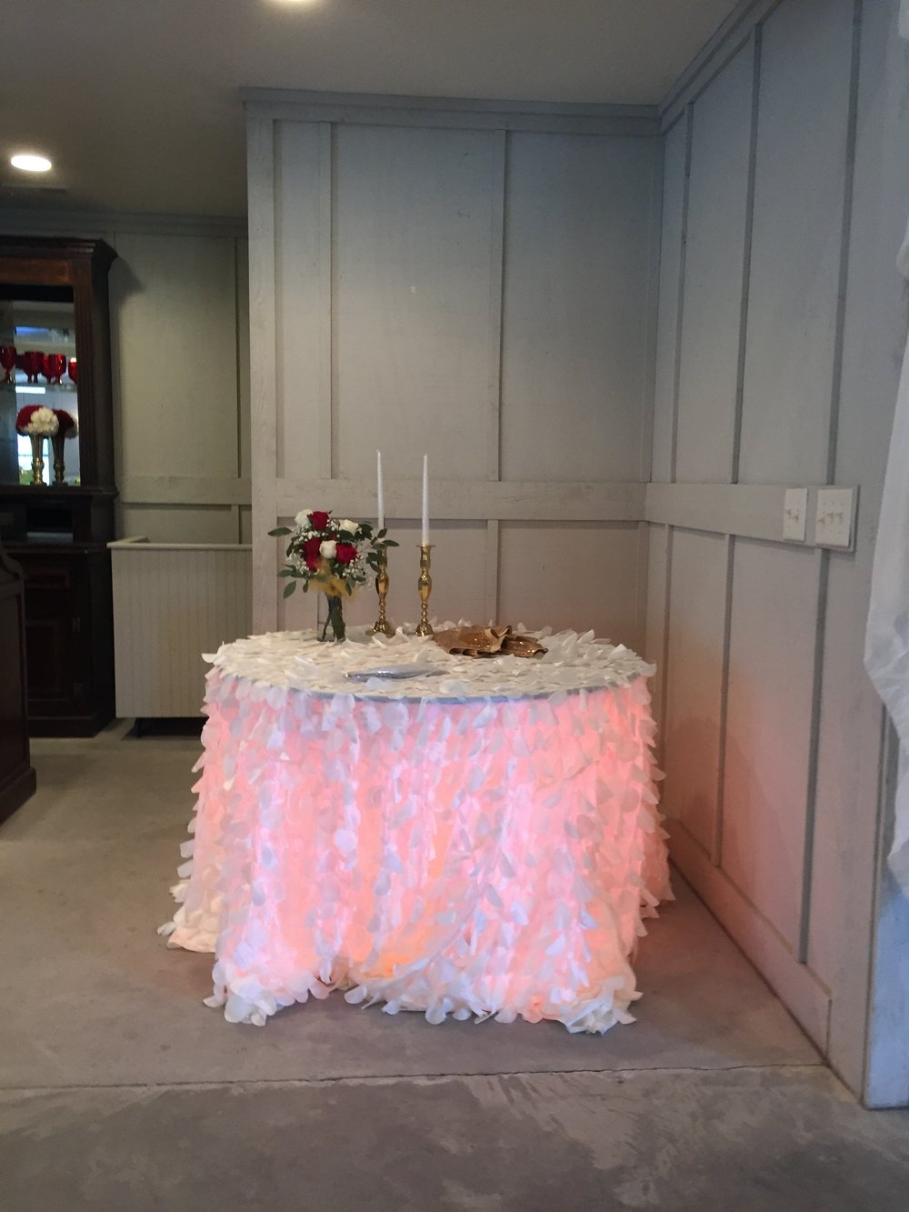 Up table lighting, cake table wedding