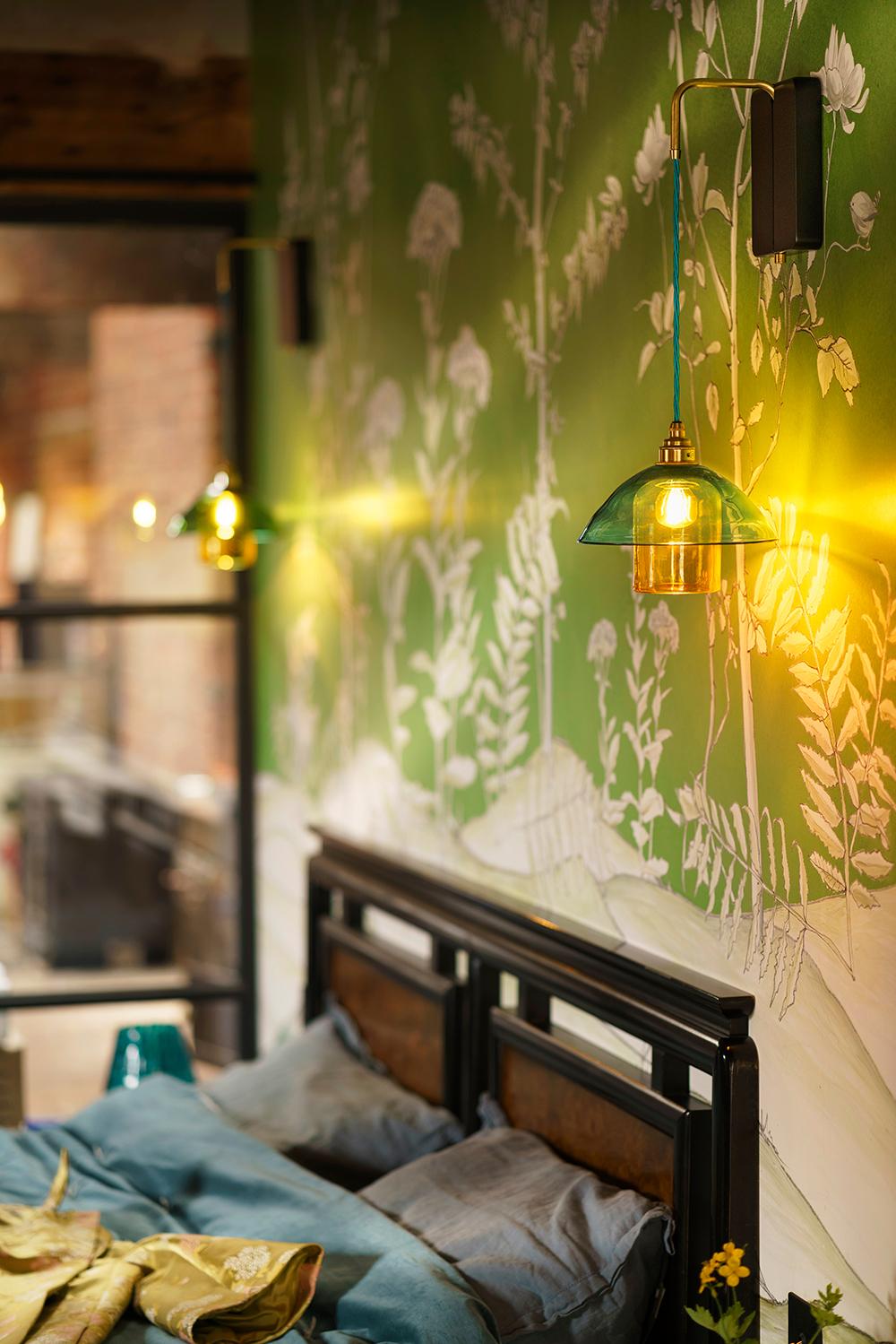 Glass-Lighting-bedroom-light-GALLERY-Japonica-002.jpg