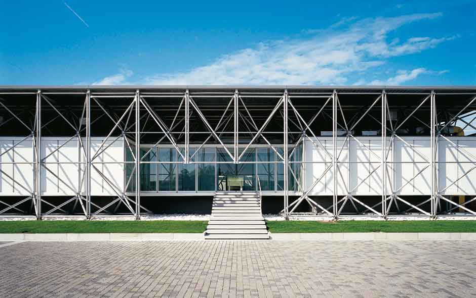 3/12 B&B Italia's Novedrate HQ in Como, Italy, designed by Renzo Piano and Richard Rogers.