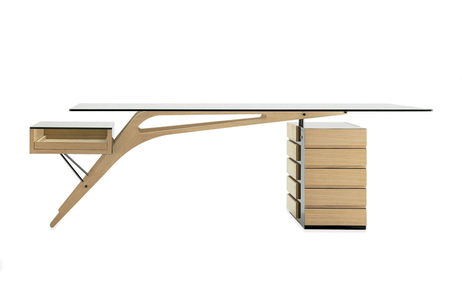 2/7 The Cavour desk designed by Carlo Mollino in 1949 and still produced today to Mollino's exacting design standards by Italian manufacturer Zanotta.