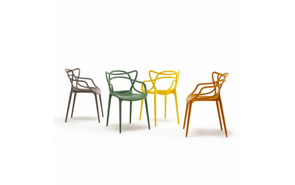 1/4 Philippe Starck's Masters Chair pays homage to three legendary modernists – Eero Saarinen, Charles Eames and Arne Jacobsen.
