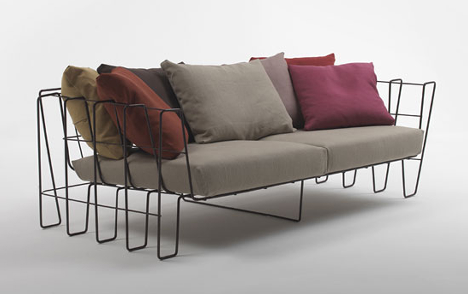 2/5 The Hoop sofa for Living Divani explores Levy's interest in materials that appear to be in constant movement.