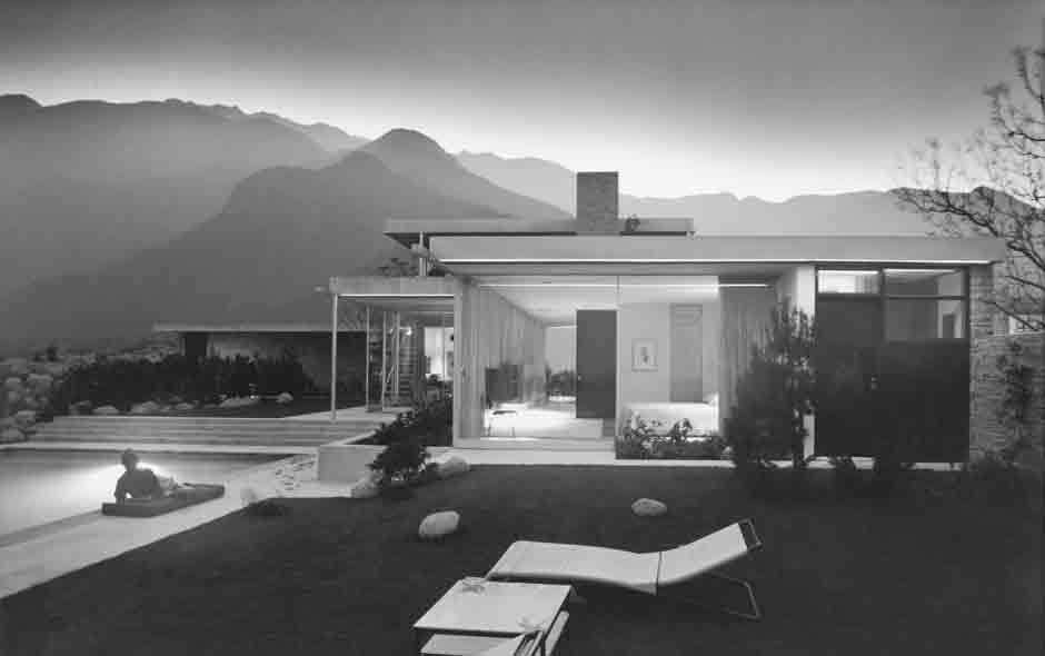 3/3 Kaufmann House, Palm Springs,1946 by Richard Neutra. Photo Julius Shulman © J. Paul Getty Trust. Permission of Julius Shulman Photography Archive.
