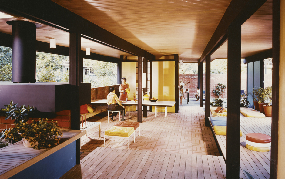 2/3 Mirman House, Arcadia,1958 by Buff, Straub & Hensman. Photo Julius Shulman © J. Paul Getty Trust. Permission of Julius Shulman Photography Archive.