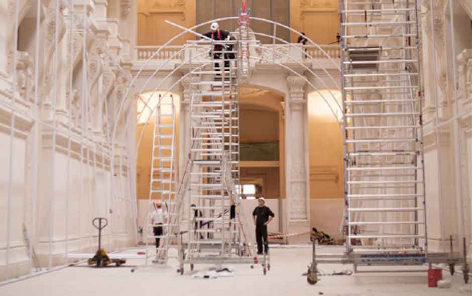 1/6 Installation of Momentané at Les Arts Décoratifs de Paris.