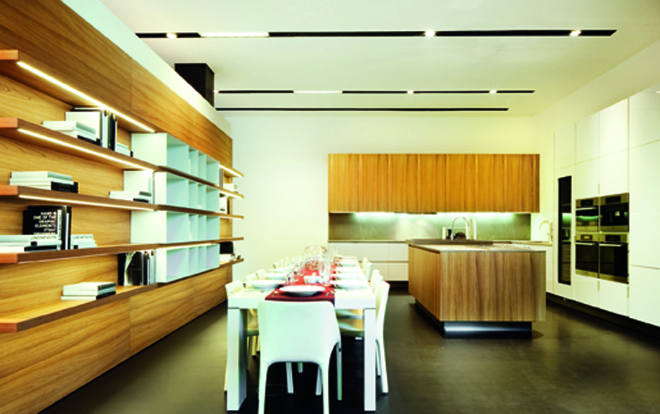 7/7 The Varenna by Poliform kitchen showroom will host famous chefs from the region.