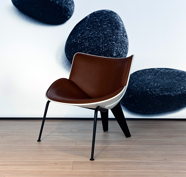 The Do-Maru armchair was launched in Milan and is inspired by the traditions of handmade leather Samurai armour dating back to the 4th century. Photo: Filippo Bamberghi / Space Furniture