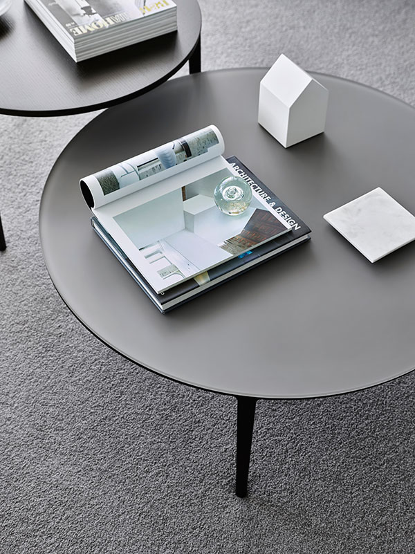 SP01 Etoile coffee table in carbon stained ash with grey glass top