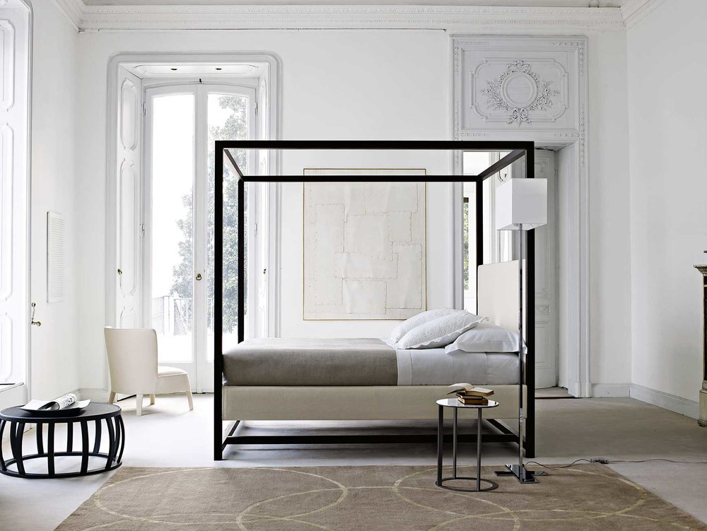 David recommends a neutral colour palette in your bedroom like this interior featuring the Maxalto Alcova bed.
