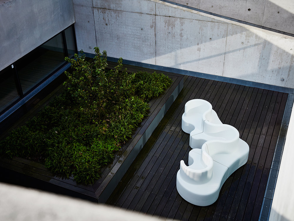 Cloverleaf In- and Outdoor Sofa by Verner Panton