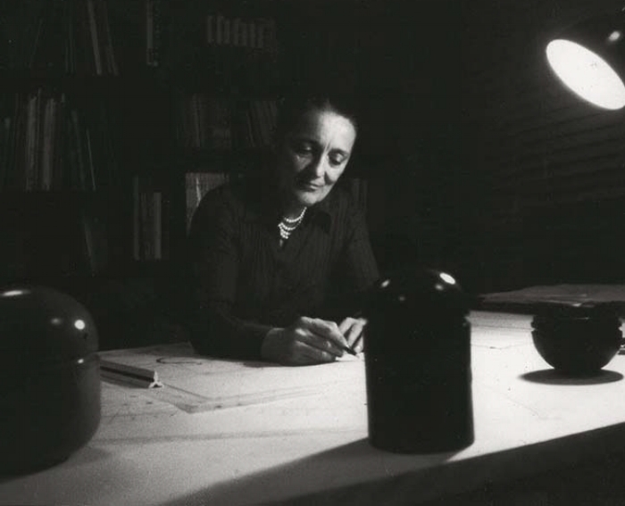 Architect Anna Castelli Ferrieri in 1974, photographed in her Milan studio by Valerio Castelli. Photo courtesy Kartell.