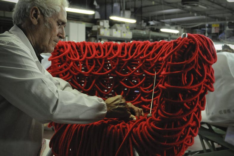 The making of the Vermelha Chair involves 500 metres of rope woven by hand.