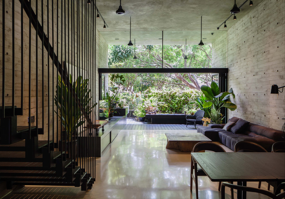 Gwen Tan's own home, Open House, became a place to test ideas of volume and openness and the experience of living with nature.
