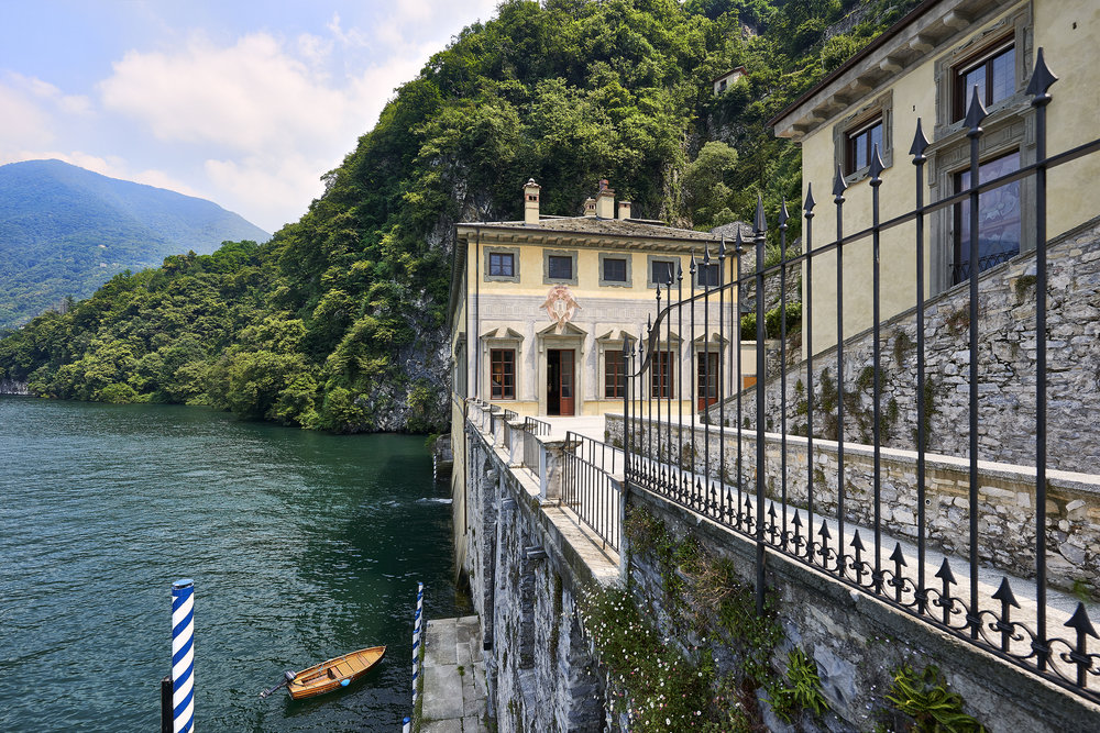 Also located on Lake Como, the historic 16th century Villa Pliniana was restored by the Sereno Hotel group in collaboration with Patricia Urquiola at the same time she was designing Il Sereno.