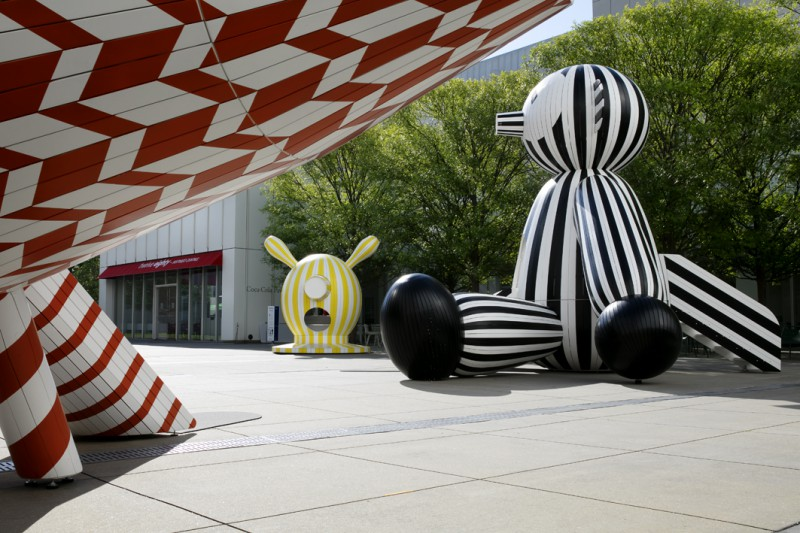 Tiovivo: Whimsical Sculptures by Jaime Hayon is the third in a series of large-scale interactive installations on the Carroll Slater Sifly Piazza at the High Museum of Art in Atlanta, Georgia.