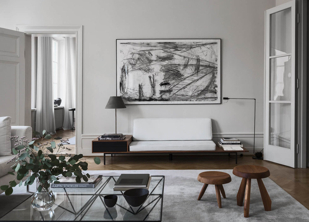Swedish designer Louise Liljencrant's own home in Stockhom featuries the classic Alanda table. Photo © Erik Lefvander.