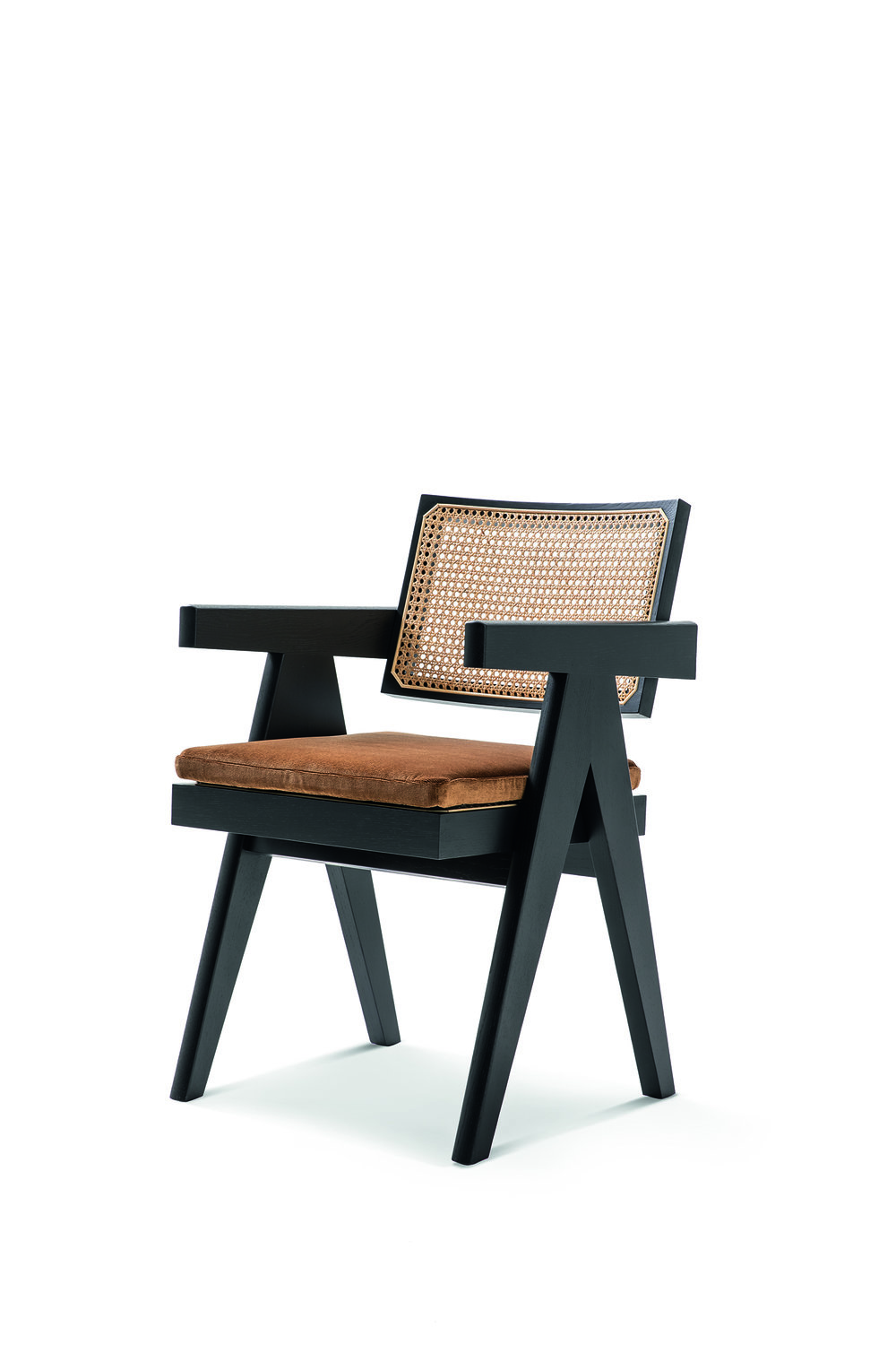 The  Capitol Office Chair  designed by Pierre Jeanneret for the Chandigarh Project. Photo © Cassina.