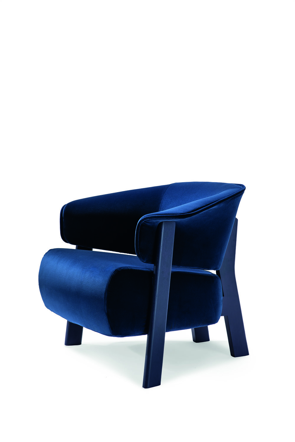 The  Back-Wing armchair  designed by  Patricia Urquiola  for  Cassina . Photo © Cassina.