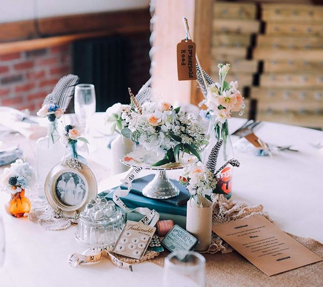 Beautiful table decorations @kayehannabuss @sandholeoakbarn . . . . . . . #weddingflowers #acountrifiedwedding #tabledecoration #wedding #Beautiful #flowers #photo #book #cheshirebride #inthecountry