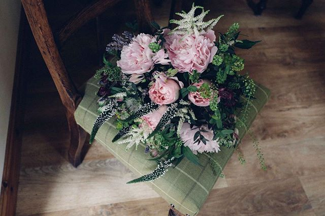 Katy's Bouquet #acountrifiedwedding . . . . . . . . #flowers #weddingflowers #tweed #inthecountry #country #wales #anglesey #british #pink #green #chair #wood #weddingphotography #countybrides #countryfashion