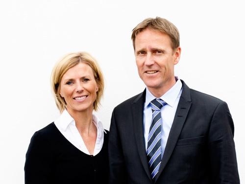 Arvid Steinum og kona Elisabeth Halle Steinum startet Alpha Begravelse i 2003 med ønske om å tilby sermonier som i større grad var tilpasset pårørende og avdødes ønsker.