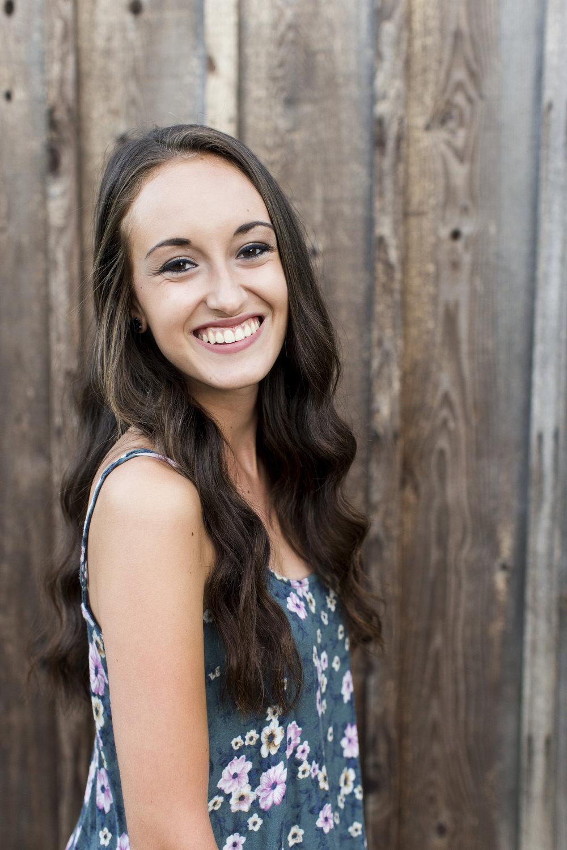 Laura Senior 2016- 45.jpg