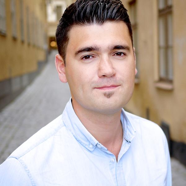Robert Aras –PR-konsult Sitter med i Komm:s HR2020-kommitté och är en av initiativtagarna till Berghs Framtidsstipendium.