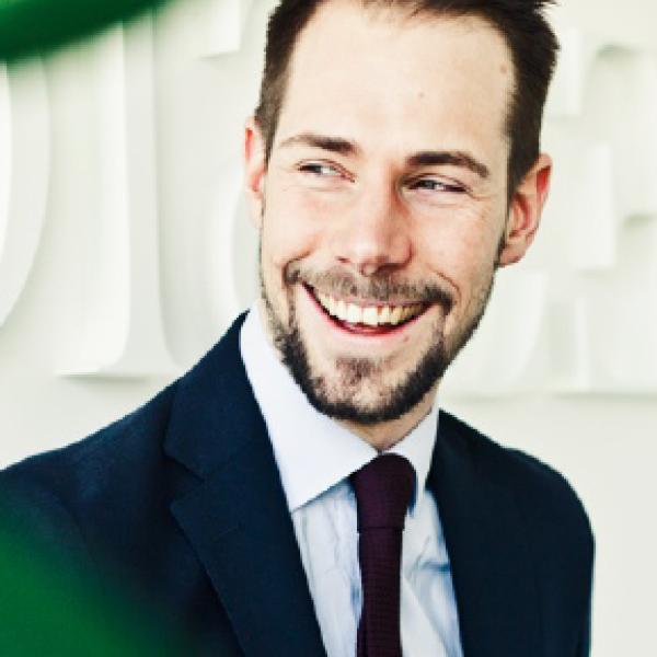 Christian Walén – leg. Psykolog och konsultchef Jobbar med skandinaviens största verksamheter för att skapa rättvisa och konkurrenskraftiga organisationer där vetenskapligt grundade processer kring humankaptial, organisation- och ledningsformer står i fokus.