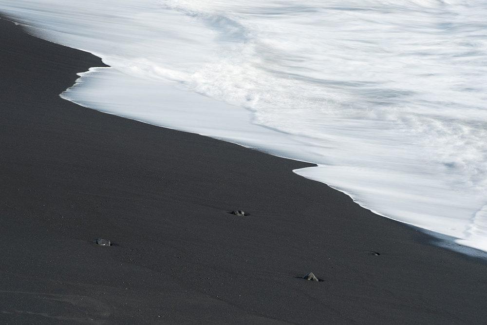 Reynisfjara waves long exposure