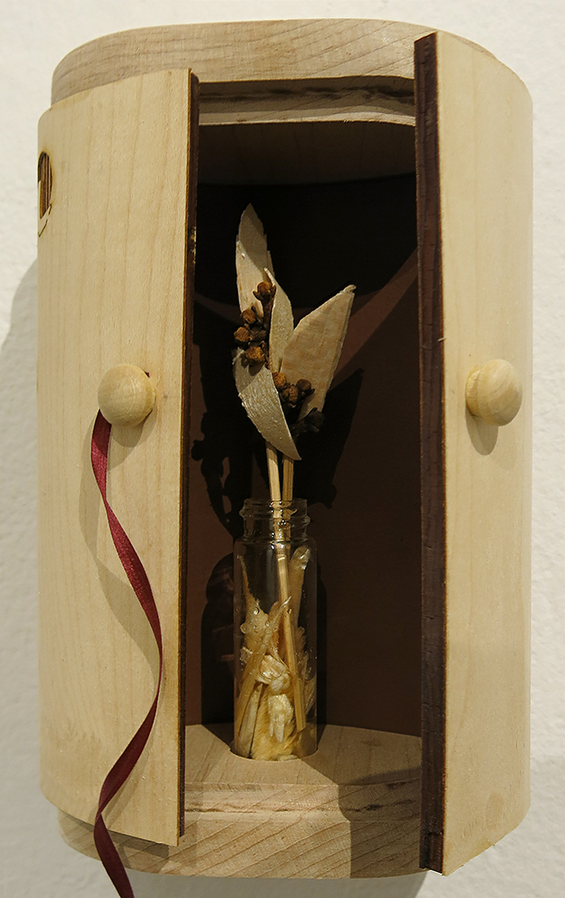 Clove Shrine detail