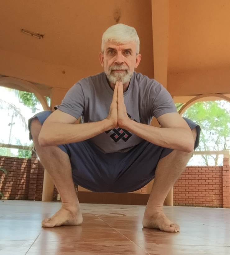 Kevin in the yoga hall at Vidyavanam Ashram, Boothanahalli, Bannerghatta, Bangalore, 2017