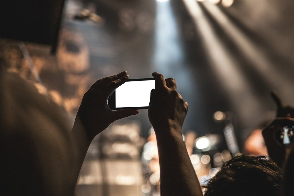 smartphone, concert, movie, pictures, camera.jpg