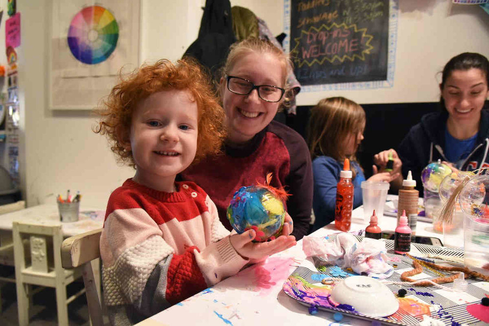 kids and parents making art