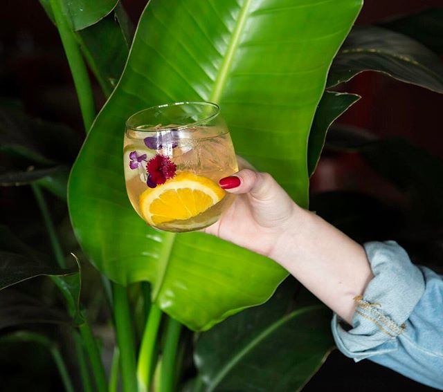 TGIF. We are ready for the weekend with our favorite muddled cocktails and drink specials in hand! Get happy with us from 5-7pm and again from 11-2am. 🌿🍹 | #marerestaurant #happyhour