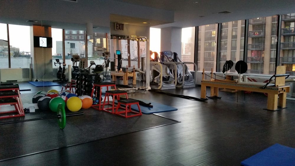Offering prime studio rental space in New York City, Irvington, and Florida, Sloane Stecker is the perfect place for your next yoga, pilates, or personal training client. Our studios offer the perfect setting for either private or group classes.