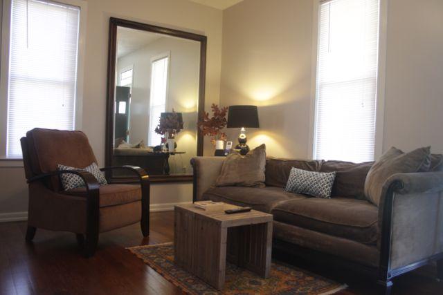 c-livingroom.jpg