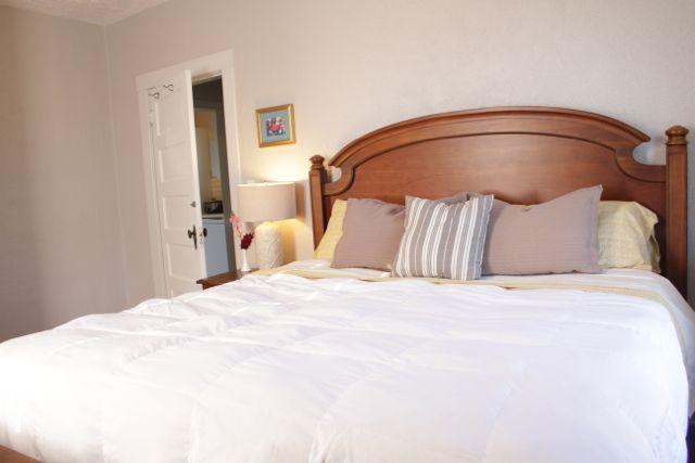 c-bedroom-king1.jpg