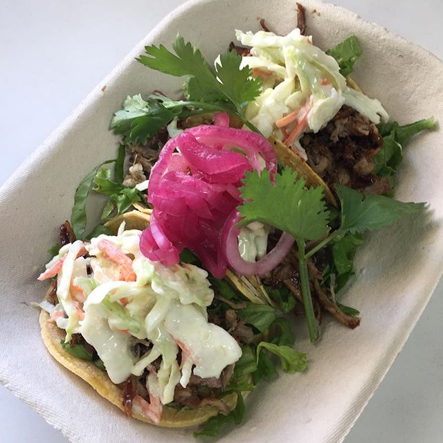 Did you know we have TWO amazing pulled pork tacos to choose from? DID YOU ALSO KNOW that truck owner @cabbypamela smokes that pork all on her own? I know. We're impressed too. #holasummer17 #yegfoodtruck #yegtacotruck #yegtacos #foodtruck #tacotruck #tacos #yeg #carnitas #porktacos #pulledpork #madewithlove