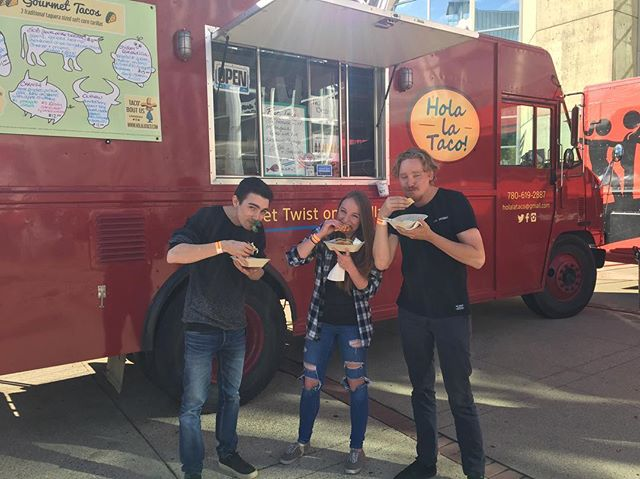 @macewanu - you ready for another round?! We're back again today for your Fall Fest celebration 12-7:30pm... we heard @dragonette will be playing AND ITS ALL WE CAN TACO 'BOUT!!! Fish on special again - come to us #holasummer17 #macewanu #samu #samacewan #fallfest #fallfest17 #yeg #yegdt #yegfoodtruck #yegtacotruck#yegtacos #yegtaco#tacos #tacotruck #foodtruck #foodtruckfriday #backtoschool #backtoschoolcool#stuffyaface #cometous