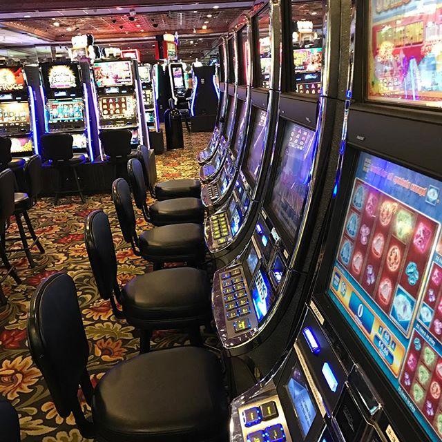 Love this casino! 🎰🎲💰🤑 #CanyonCasino #BlackHawk #Colorado #Casino #Bar #Restaurant #SlotMachine #Keno #VideoPoker #BlackJack #Craps #Roulette #Beer #Wine #Liquor #HotDog #CheeseBurger #Burger #HomeWrecker #Pizza #Pork #Habanero #Bacon #Chili #Cowboy #Bronco #SuperSeries #Konami #Synkros