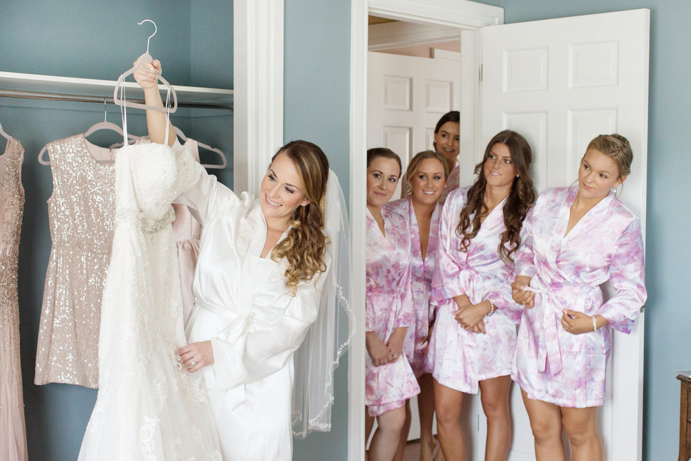 bridalpreparation_alexandradelbellophotography_weddingphotographer_hamiltonphotographer 2.jpg