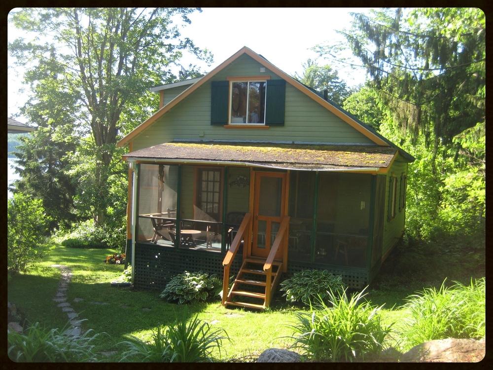 01 Front porch.JPG
