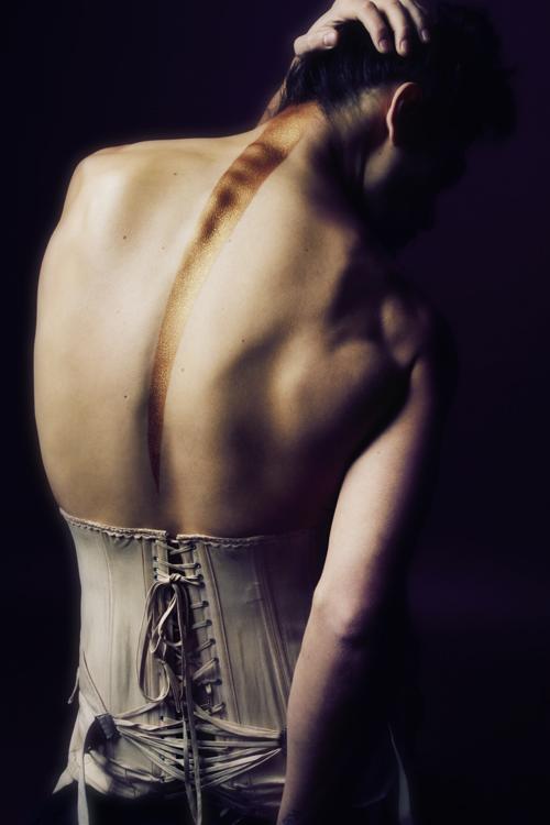 Lady-Spine-Sin-is-Pretty-01.jpeg